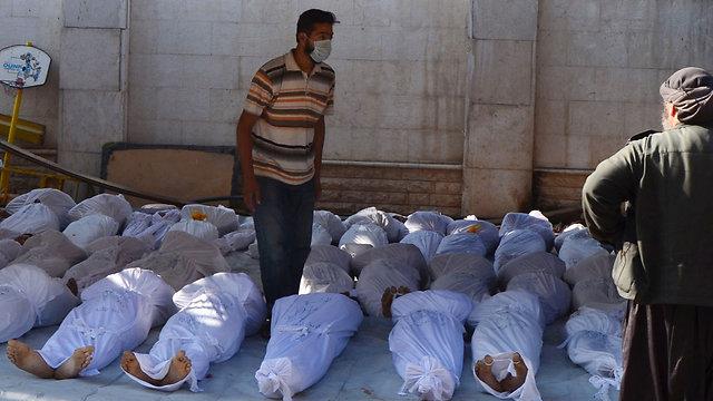 Una delle immagini diffuse dall'opposizione siriana a documentazione di quello che è stato denunciato come un attacco con armi chimiche da parte del regime