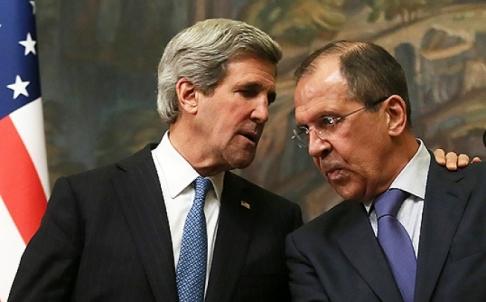 Il segretario di stato Usa John Kerry e il ministro degli esteri russo, Sergei Lavrov