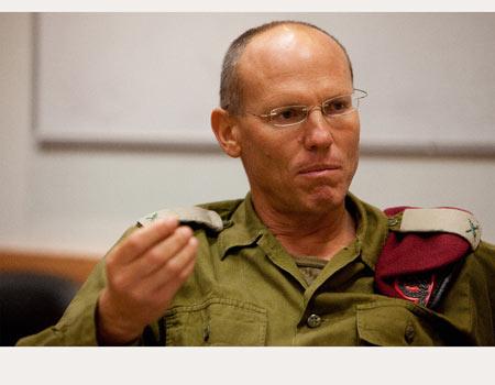 Il gen. Nitzan Alon, comandate israeliano del settore centrale
