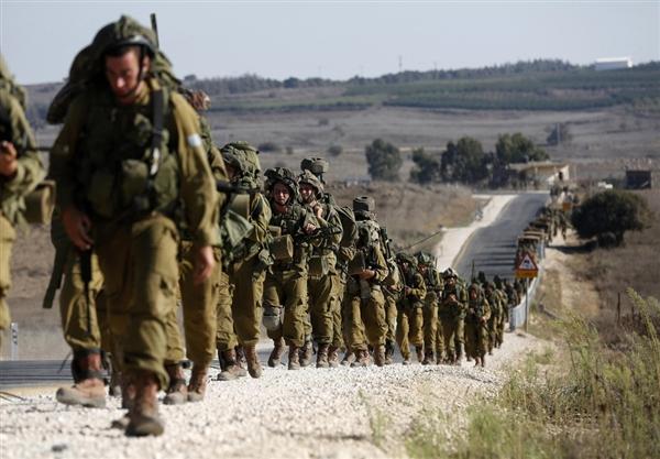 Soldati israeliani sul Golan, al confine con la Siria