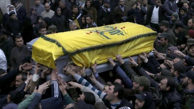 I funerali del comandante Hezbollah ucciso martedì notte a Beirut