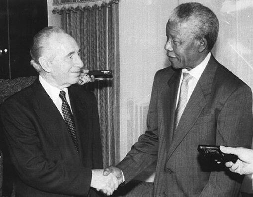 Shimon Peres con Nelson Mandela