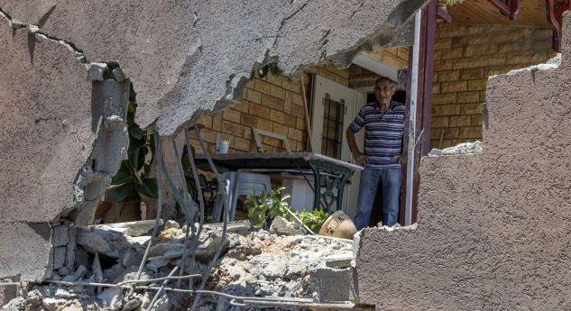 Abitazione israeliana colpita da razzi palestinesi lanciati giovedì dalla striscia di Gaza