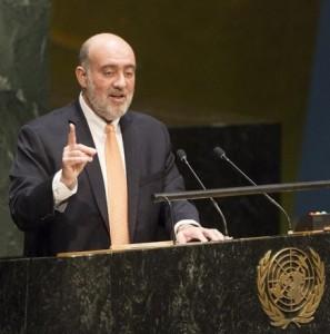 L'ambasciatore d'Israele alle Nazioni Unite durante l'intervento in Assemblea Generale del 24 novembre scorso