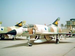 Un Mirage IIIC di produzione francese utilizzato dale forze aeree israeliane negli anni '60 e '70, oggi esposto al Museo dell'aviazione di Hatzerim