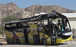 Sinai, febbraio 2014: attentato dei terroristi Ansar Beit al-Maqdis contro un autobus di turisti cristiani sudcoreani (3 morti)