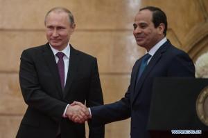 Il president russo Vladimir Putin con il president egiziano Abdel-Fattah al-Sisi al Cairo lo scorso 10 febbraio