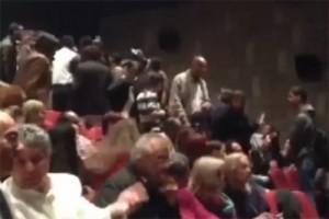 """12 aprile 2014: attivisti """"anti-normalizzazione"""" impediscono la performance di una compagnia di danza indiana a Ramallah"""