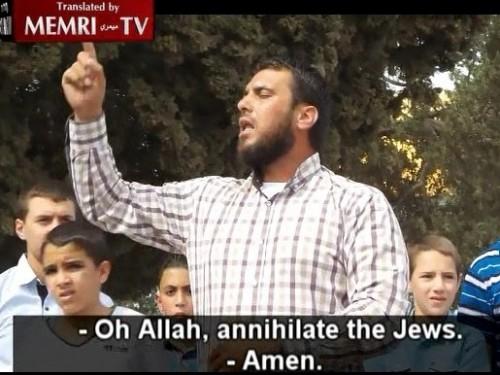 """Predicatore palestinese di Al-Aqsa lo scorso 24 ottobre ad un raduno alla moschea al-Aqsa: """"Oh Allah, annienta gli ebrei"""". Clicca l'immagine per vedere il video con sottotitoli inglese"""