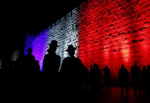 I colori della Francia sulle Mura di Gerusalemme