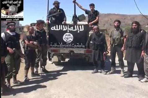 Agosto 2014: jihadisti dell'ISIS fotografati durante la loro temporanea occupazione di Quneitra, nel Golan siriano visino ql confine con Israele