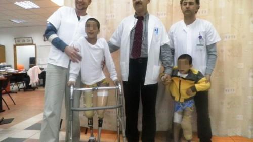 Bambini siriani, feriti nella guerra civile del loro paese, curati nell'ospedale israeliano ZIv di Safed
