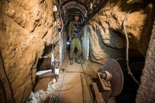 Un tunnel terroristico di Hamas scoperto dalle forze israeliane