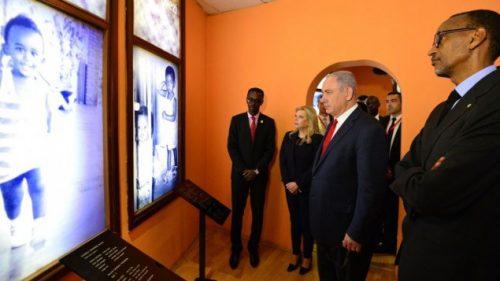 Benjamin e Sara Netanyahu in visita al Memoiale delle vittime del genocidio in Ruanda del 1994