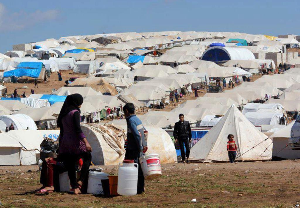«Centinaia di migliaia di morti, milioni di rifugiati non lo smuovono di un millimetro»