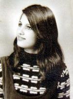 Mother of sette figli, Sarah Sharon aveva 38 anni quando venne pugnalata a morte a Holon, il 20 gennaio 1993
