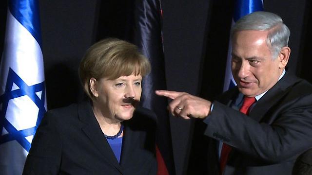 """Questa foto, in cui l'indice del primo ministro israeliano Benjamin Netanyahu, che indica qualcosa fuoricampo, proietta casualmente un'ombra sotto il naso del cancelliere tedesco Angela Merkel, evocando vagamente l'immagine del famigerato Fuhrer, ha avuto una enorme diffusione """"virale"""" in internet attirando molta più attenzione di ogni altro aspetto della visita ufficiale del governo di Berlino a Gerusalemme"""