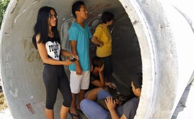 Cittadini israeliani durante un allarme razzi da Gaza