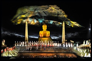 L'Aida al Masada Opera Festival del 2013 (cliccare per ingrandire)