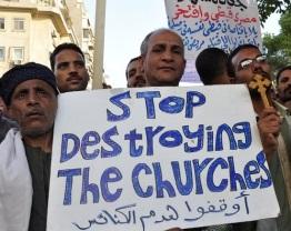 """manifestati al Cairo: """"Basta con la distruzione delle chiese"""""""