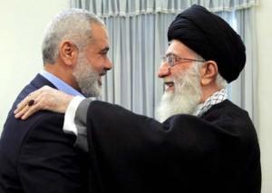 Il capo di Hamas a Gaza Ismail Haniyeh ospite della Guida Suprema iraniana, ayatollah Ali Khamenei, a Teheran nel febbraio 2012