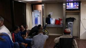 Pazienti israeliani allo at Sheba Medical Center ascoltano il discorso di Netanyahu al Congresso