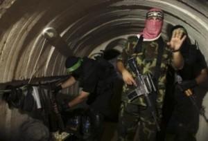 Un tunnel terroristico che le Brigate xx affermano d'aver ricostruito dopo la guerra della scorsa estater