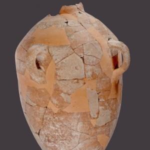 La giara di Khirbet Qeiyafa dopo il restauro nei laboratori della Israel Antiquities Authority