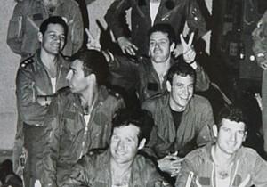 Piloti israeliani al rientro dalla missione contro il reattore nucleare iracheno