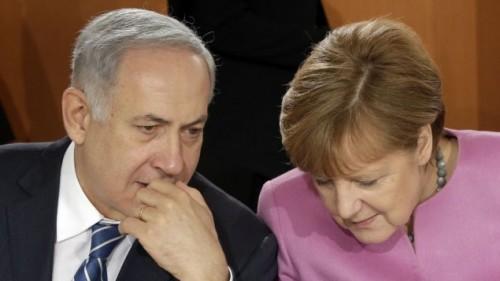 Il primo ministro israeliano Benjamin Netanyahu e la cancelliera tedesca Angela Merkel, martedì a Berlino