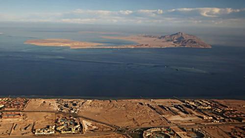 L'isola di Sanafir, nello stretto di Tiran