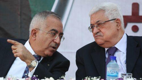 Salam Fayyad, quando era primo ministro dell'Autorità Palestinese (a sinistra) con il presidente dell'Autorità Palestinese Abu Mazen