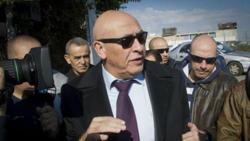 Basel Ghattas al suo arrivo martedì alla stazione di polizia di Lod