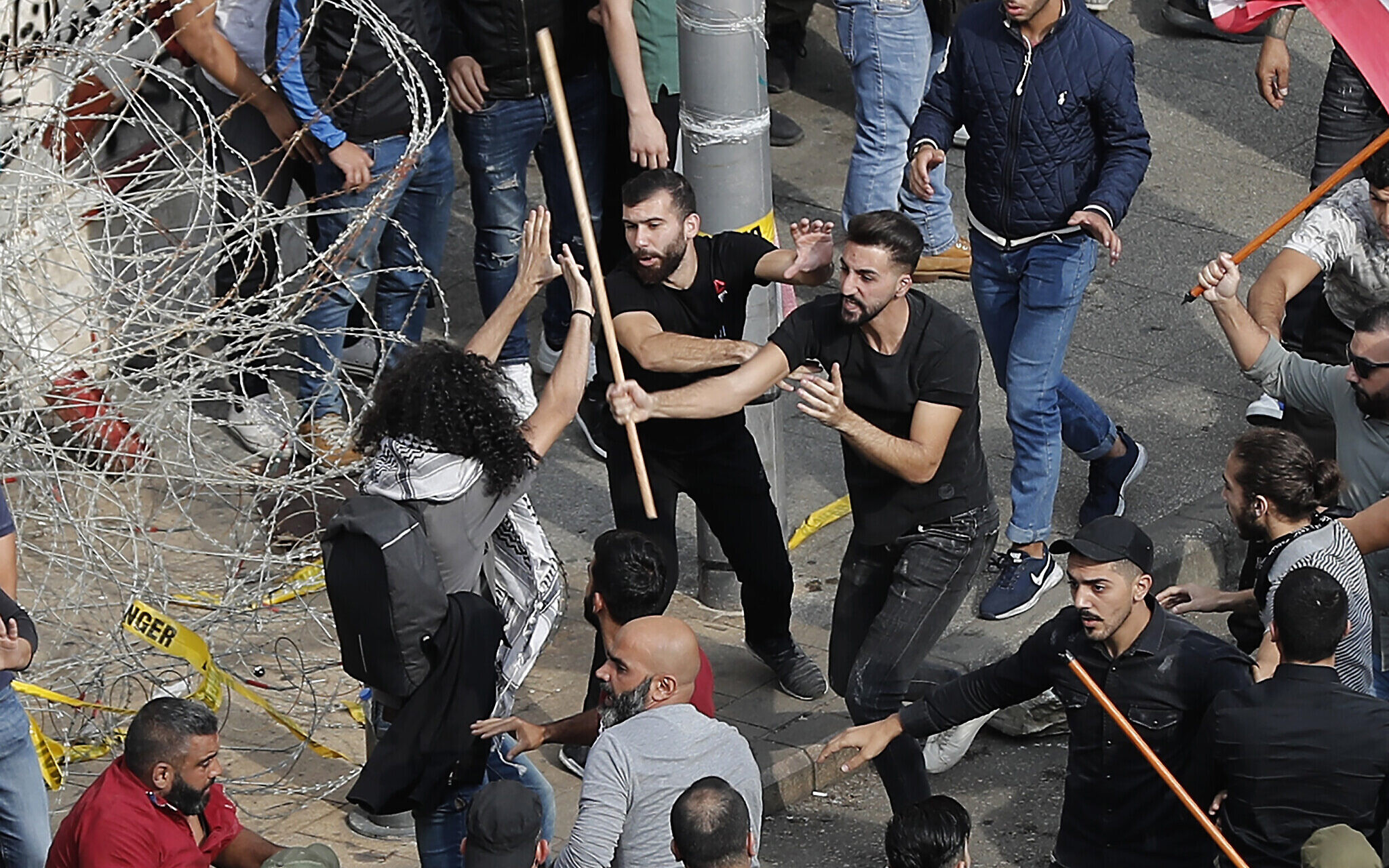 """Risultato immagini per hezbollah libano bastone"""""""